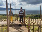 Lokasi wisata Selfie Puncak Kahuku, yang sementara dibangun oleh Karang Taruna desa Kahuku dan hampir selesai.